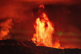 Ausbruch des Vulkans Aetna auf Sizilien; Foto: Piermanuele Sberni on Unsplash