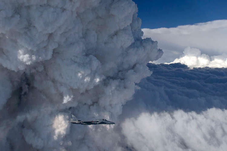 Kondensation und Wolkenbildung, Foto: James Haseltine, Oregon Air National Guard